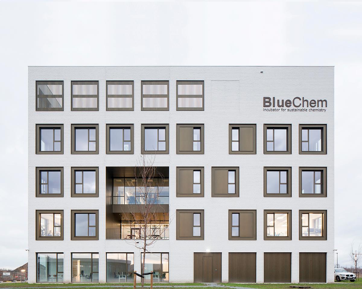 BUITENBEELD-BLUECHEM.jpg